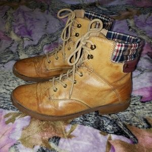 Shoes - Tan boot size 11.5 womens